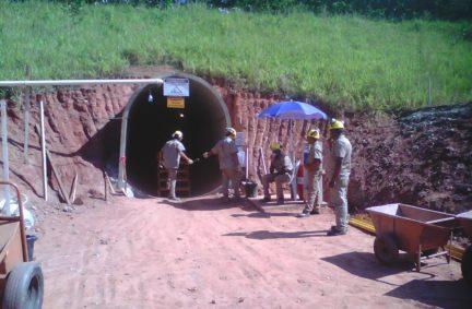 Execução de Túnel Bala, seção 2,65m x 3,00m, Itabira -MG Cliente: Vale Mina Conceição
