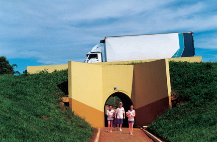 Túnel Bala seção de 2,00m x 2,50m como passagem de pedestre sob BR-153 no município de Fronteira-MG Cliente: Prefeitura Municipal de Fronteira